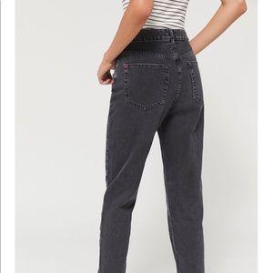 BDG Girlfriend Jeans Size 27W